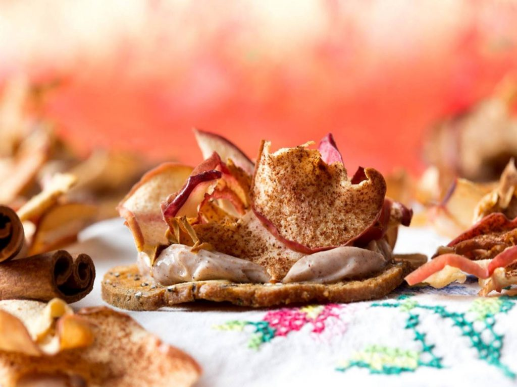 A Kii Fall Favourite - Cinnamon Dusted Apple Crisps